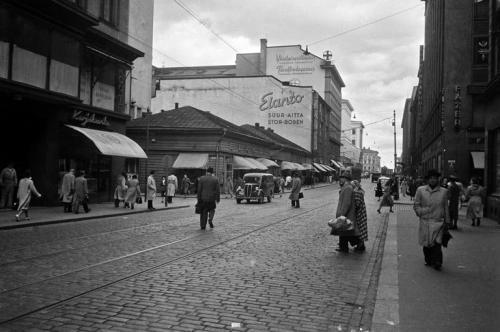 Näkymä Aleksanterinkatua itään, 1950. Heinonen Eino, Copyright: Helsingin kaupunginmuseo